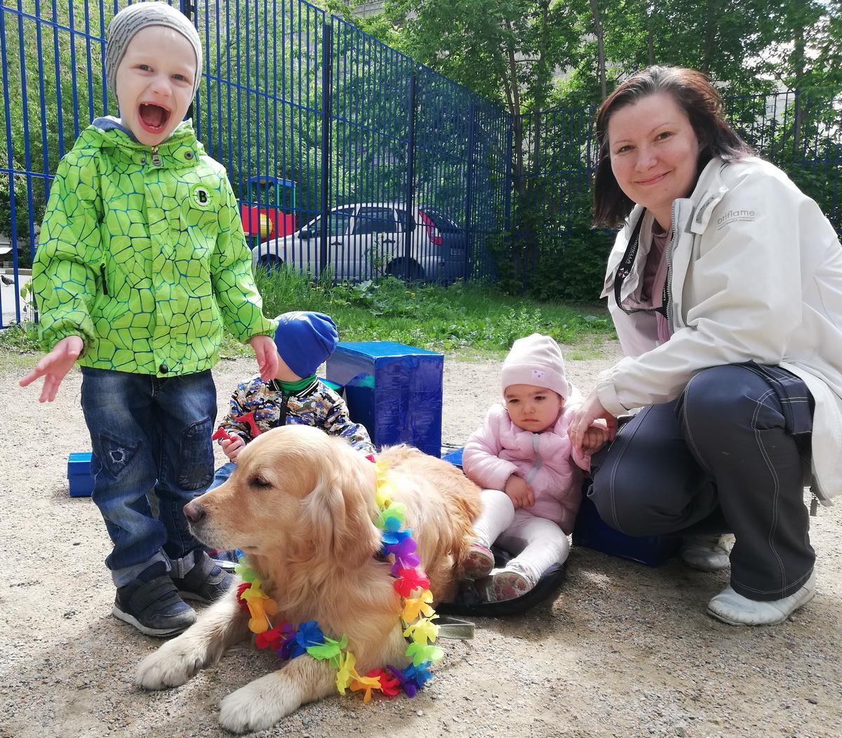 Международный день защиты детей, или Миньон и радужный Фьёк в гостях у малышей